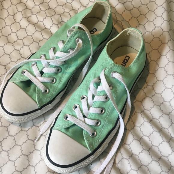 Mint green women's Allstar Converse size 7.